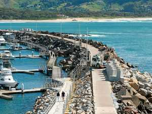 Harbour breakwall to be completed by November