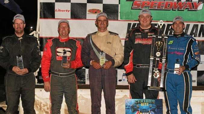 NSW 2017 V8 Dirt Modified Championship runner-up David Clarke (left), third placed Kevin Britten (centre) and NSW Champion Andrew Pezzutti.