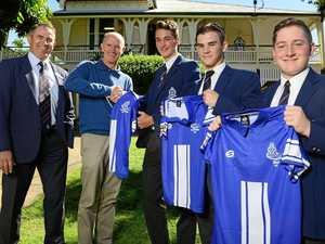 VIDEO: Sporting legend visits Ipswich school