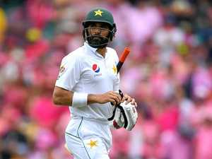 Test batsman claims unwanted record