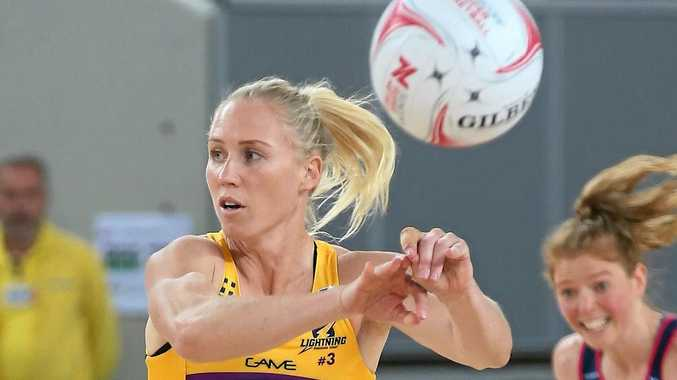 Laura Langman for Lightning. SUPER NETBALL  Vixens v Lightning. Saturday, April 29. 2017. Picture: David Crosling