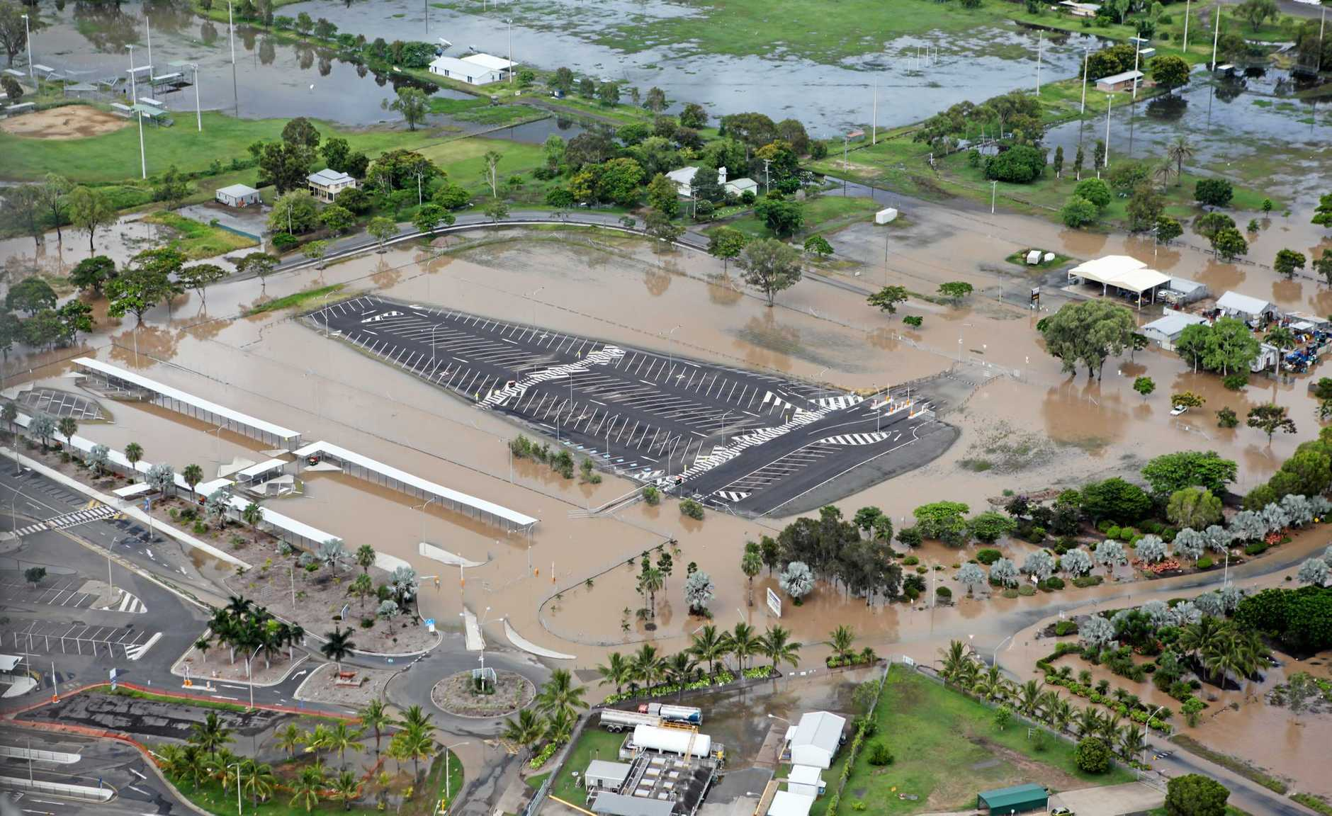 Rockhampton Airport carpark. Photo Allan Reinikka / The Morning Bulletin            ROK100111flood-a7