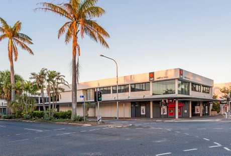 The NAB building on the corner of Sydney and Victoria Sts is going under the hammer.