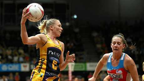 KEY PLAYER: Laura Langman of the Lightning passes the ball in a recent outing.