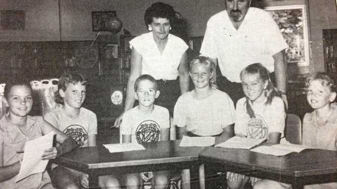 THURSDAY, FEBRUARY 16, 1989: Gympie Mayor Joan Dodt and Administration and Finance Committee chairman Gary Davison go back to school as part of Local Government Awareness Week with Central State School students (from left) Melanie Stratford, Clinton McIvor, Darren Liddicoat, Kelli Anson, Caroline Pedder and Hayley Smith.