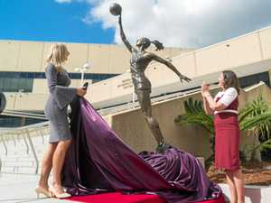 Laura Geitz immortalised in bronze at BEC