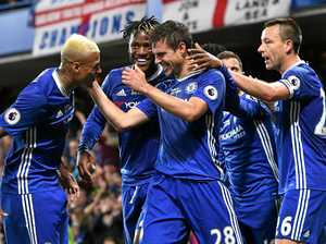 Chelsea edges Watford in seven-goal thriller