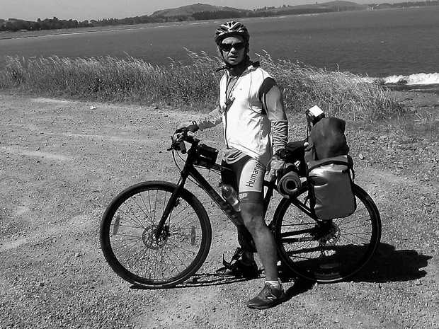 RIDING ON: Kiwi adventurer Grant Rawlinson is cycling from Darwin to Coffs Harbour.