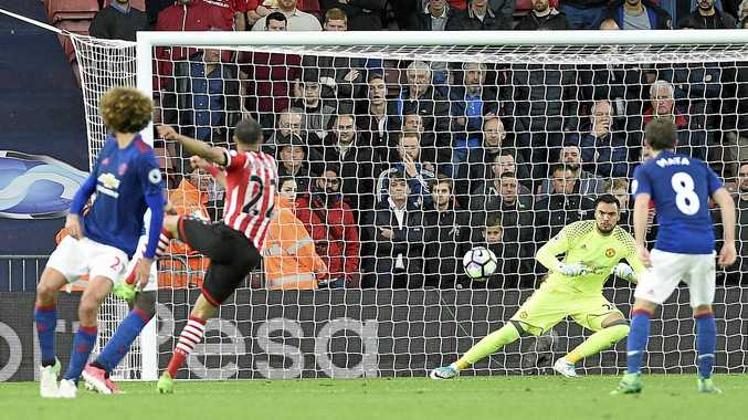 Sergio Romero gets ready to try to stop a shot from Nathan Redmond in Manchester United's 0-0 draw with Southampton.