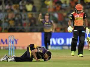Coulter-Nile helps roll Sunrisers after midnight