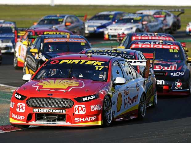 McLaughlin grabs pole at Winton Supercars