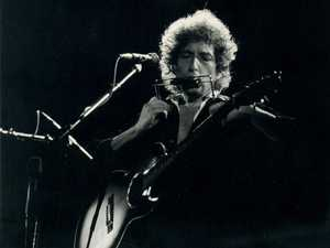 Hurricane man Bob Dylan still rockin' at 76