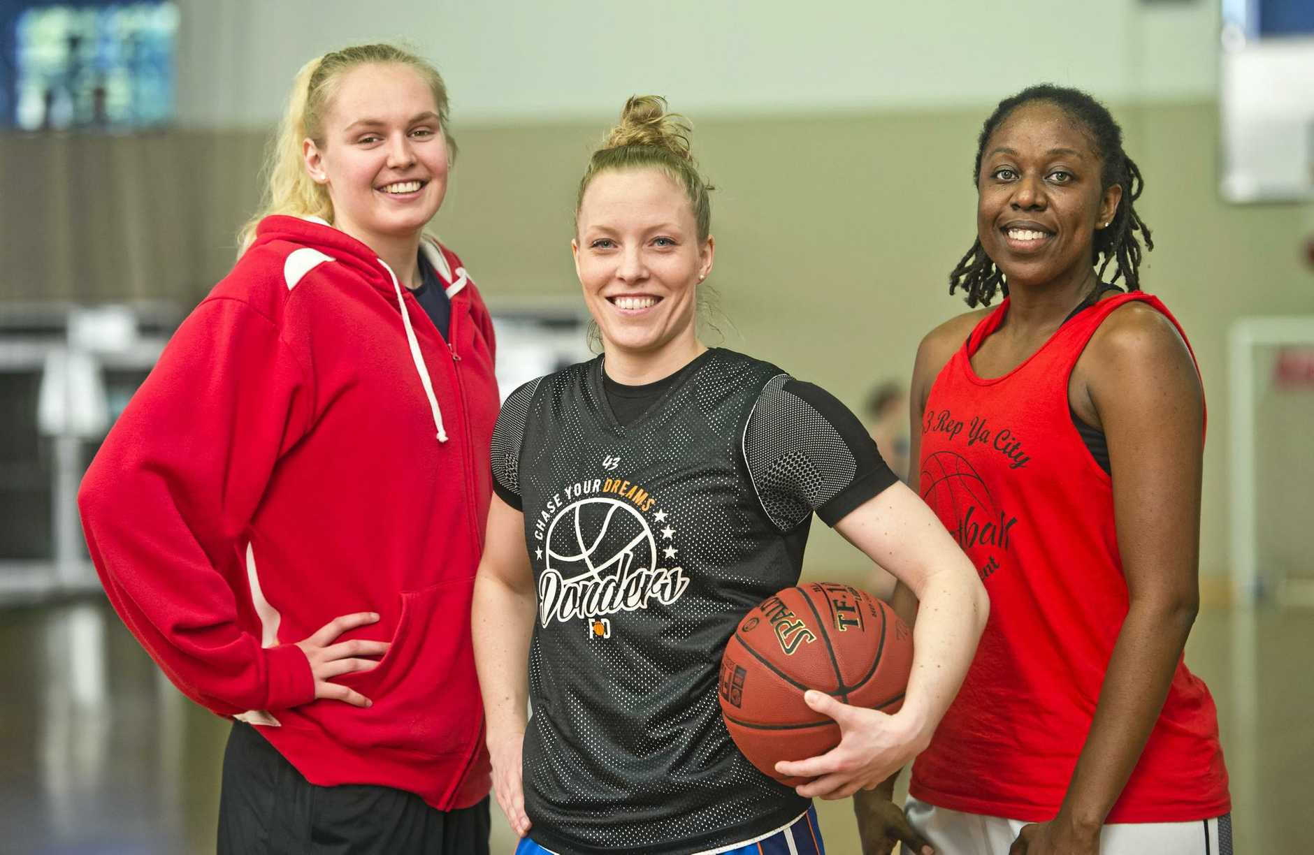 (from left) Tea Charlton (left) arrives to join fellow Mountaineers imports Francis Donders and Ezria Parsons.
