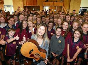 Gympie's country music star returns to high school