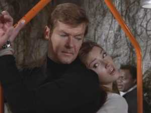 007 actor Roger Moore dead at 89