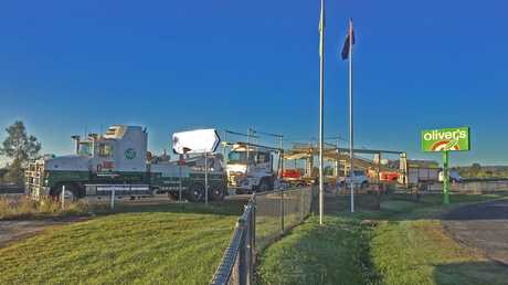 A salvage operation involving a truck took place at the intersection of the Pacific Highway and Cameron St near Maclean on Thursday morning, 25th May, 2017.