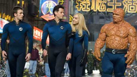 Chris Evans, Ioan Gruffudd, Jessica Alba and Michael Chiklis in a scene from Fantastic Four: Rise of the Silver Surfer