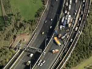 Truck rollover closes Melbourne Ring Road