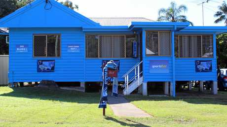 The Brighton home of Daryl and Tricia Hillard has been painted blue so the family can show their allegiance to the Blues in the 2017 State of Origin series. The mailbox has been left maroon for the couple's daughter Olivia, who supports Queensland.