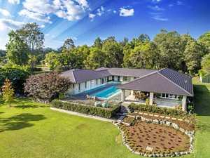 Your luxury lakeside retreat