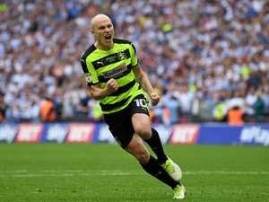 WATCH: Huddersfield boss wants Mooy to stay at Huddersfield