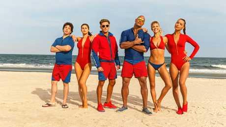 Jon Bass, Alex Daddario, Zac Efron, Dwayne Johnson, Kelly Rohrbach, and Ilfenesh Hadera star in Baywatch.