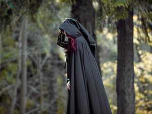 'Druid' wins appeal over pub ban 'death, rape threat'