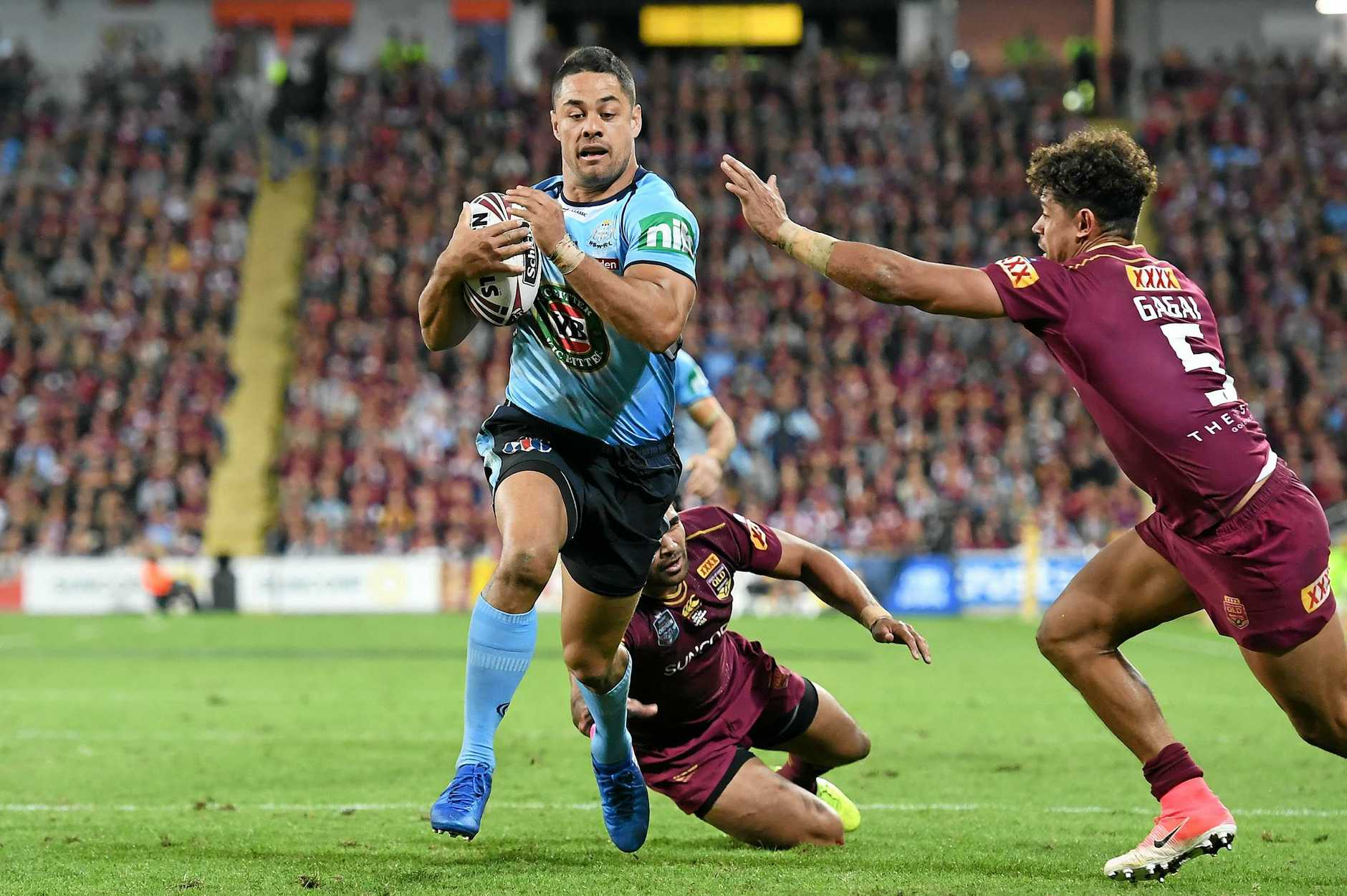 Jarryd Hayne of the NSW Blues runs to score a try during Game one of the State of Origin series against the Queensland Maroons at Suncorp Stadium in Brisbane, Wednesday, May 31, 2017. (AAP Image/Dan Peled) NO ARCHIVING, EDITORIAL USE ONLY