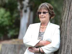 'Courageous' retired MP Smith dies from cancer