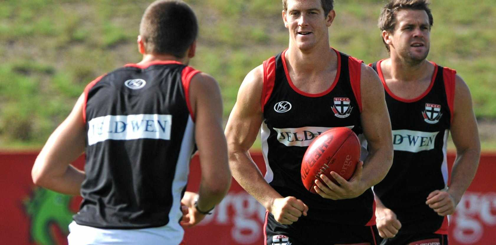 St Kilda player Nick Dal Santo trains at in Melbourne, Wednesday, April 21, 2010. Dal Santo is one the key forwards who is expected to fill the role of the injured captain Nick Riewoldt. (AAP Image/Julian Smith) NO ARCHIVING