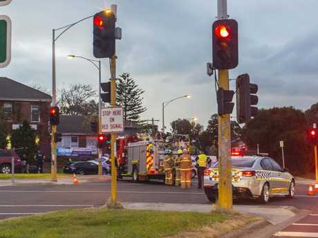 Man dead, hostage situation unfolding in Melbourne