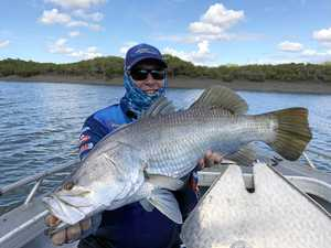 Fitzroy River anglers break huge Barra records