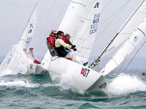 Winter champions return to battle-tough Etchells fleet