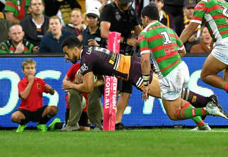 Jordan Kahu of the Brisbane Broncos dives over the line to score a try.