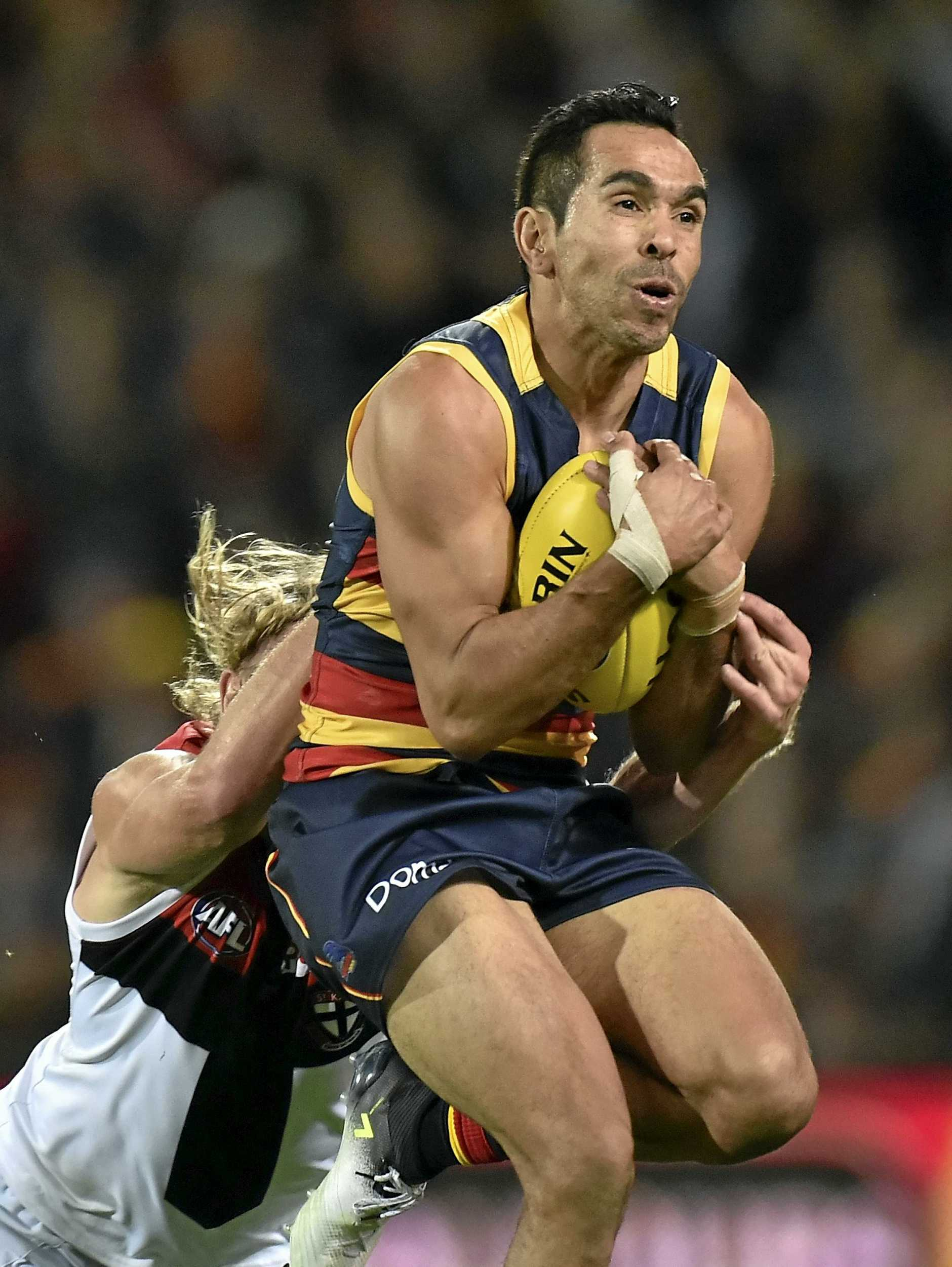 Eddie Betts of the Crows during the Round 12 AFL match between the Adelaide Crows and the St Kilda Saints at Adelaide Oval in Adelaide, Friday, June 9, 2017. (AAP Image/David Mariuz) NO ARCHIVING, EDITORIAL USE ONLY