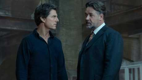 Tom Cruise and Russell Crowe in The Mummy.