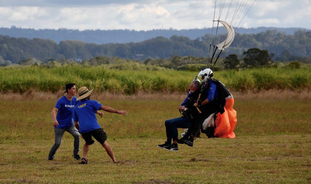 Bob Sherwell comes in for a landing in the canefields at Pacific Paradise.
