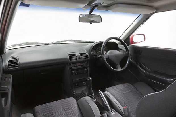 1992 Mazda Astina SP