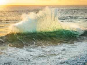 Capturing beauty of the ocean in motion