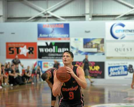 Shaun Bruce scored 28 points and 11 assists for the Meteors against Gold Coast Rollers on Friday night.
