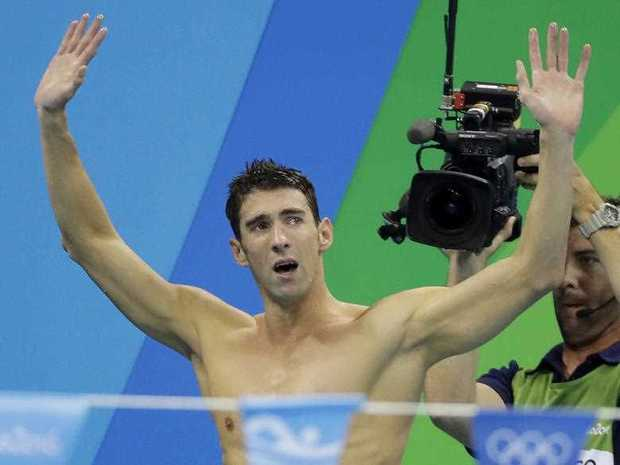 Michael Phelps to race an actual shark