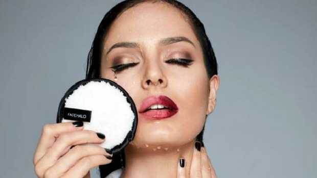 The Face Halo uses microfibre to dislodge makeup on the skin.Source:Supplied