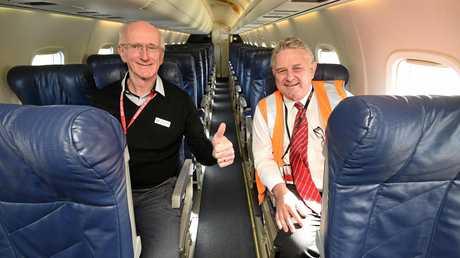 The first Jetgo plane arrives in Hervey Bay. (L) Mayor Chris Loft with Paul Bredereck (Jetgo Mging Dir. Airlines).