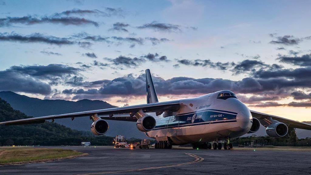 Antonov AN-124 Condor in Cairns