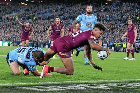 Dane Gagai of the Maroons scores the match-winning try during State of Origin game two.