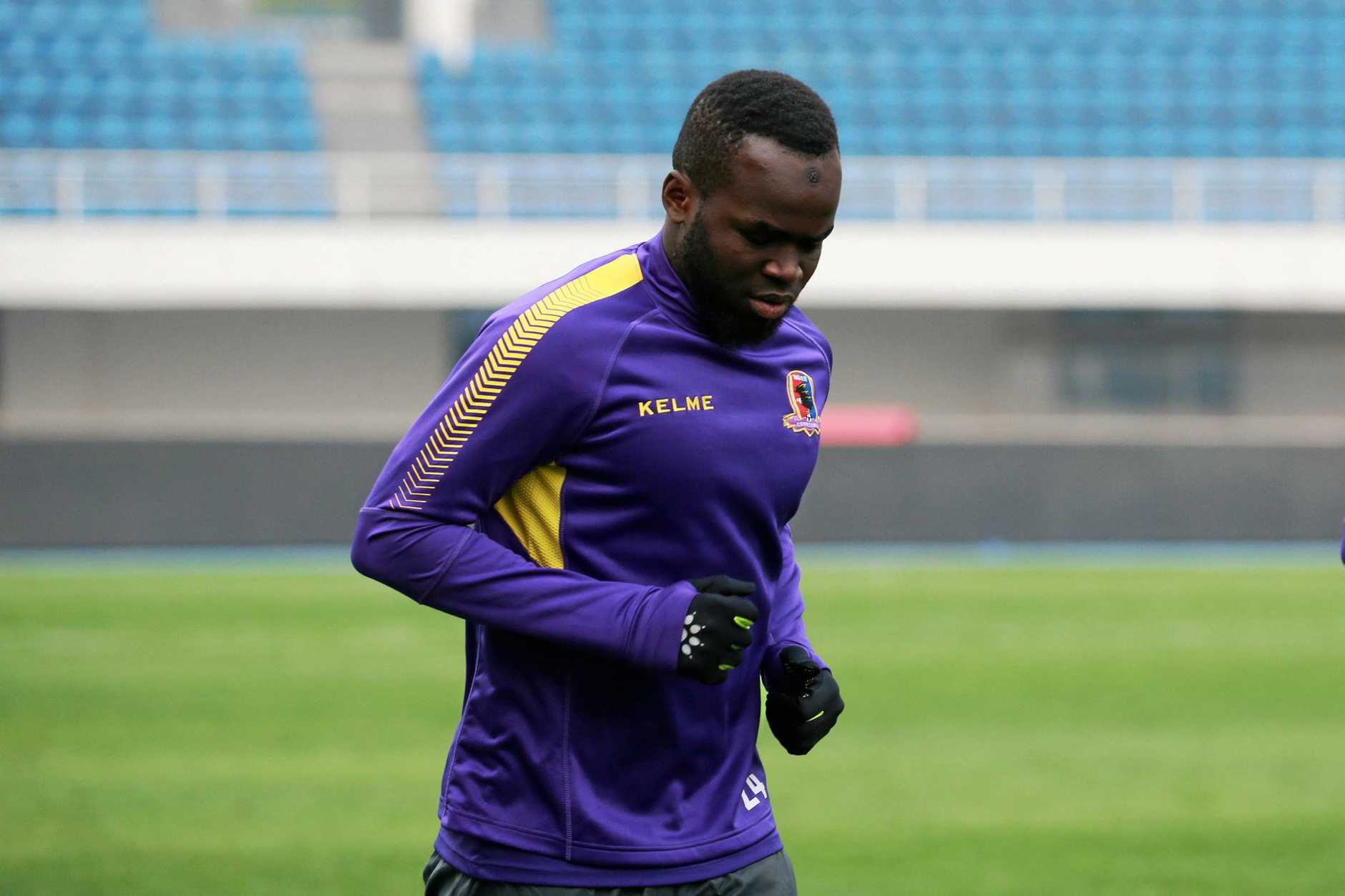 --FILE--Cheick Tiote of Beijing Enterprises Group F.C. takes part in a training session for their 4th round match against Shijiazhuang Ever Bright F.C. during the 2017 Chinese Football Association China League, also known as China League One, in Beijing, China, 7 April 2017.Sad news out of China as a soccer player has collapsed during training and died. According to Sky Sports, former Newcastle midfielder Cheick Tiote collapsed on Monday (5 June 2017) at practice and passed away. He was just 30 years old. The Ivory Coast international moved to China just a few months ago and had been playing from Beijing Enterprises. He was taken to the hospital but passed after emergency treatment.