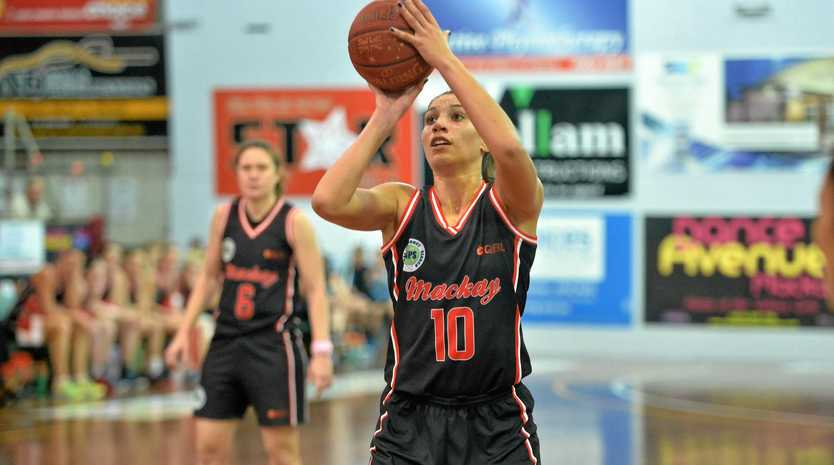 Mackay Meteorettes Chevennah Paalvast put in a massive scoring and defence effort against Gladstone Port City Power at The Crater on Saturday night.