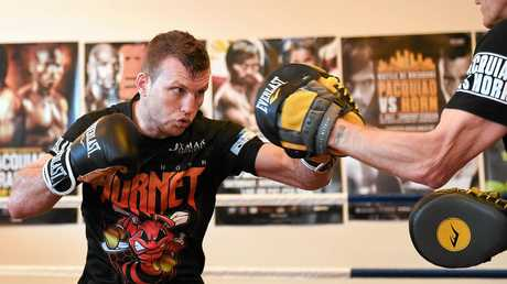 Jeff Horn works up a sweat in the gym. (AAP Image/Albert Perez)