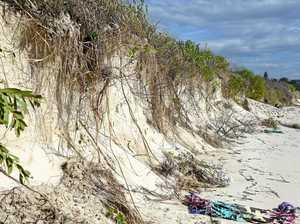 PICTURED: Dangerous sand dunes in Byron Bay