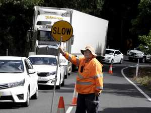 Crash closes North Queensland Range
